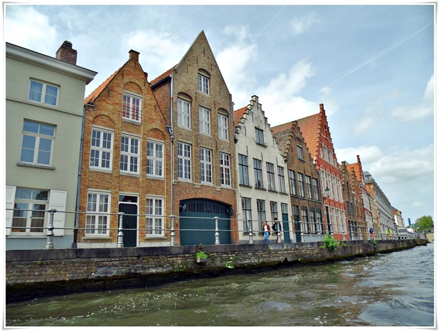 brugge-canalview-01