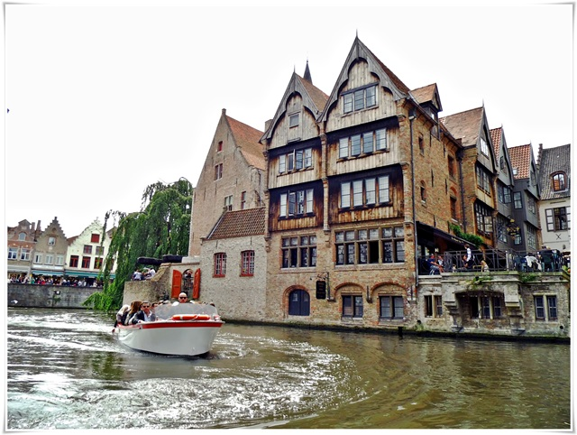 brugge-canalview-03