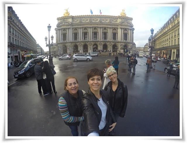 Paris'te kaldığımız yere de çok yakın, benim bayıldığım bir yapı: Opera Binası!