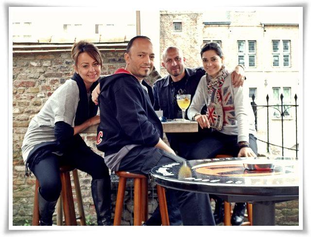 """Seyahat ve sofrada toplaşma konusunda """"Partners in Crime"""" dostlarla Brugge'de. Yıl mı? 2013"""